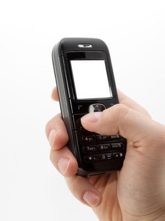 Imagem da notícia: Navegar no telemóvel antecipa vista cansada