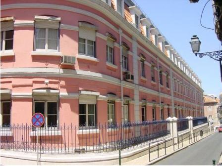 Imagem da notícia: Instituto de Oftalmologia Gama Pinto poderá integrar Hospital de Santa Maria