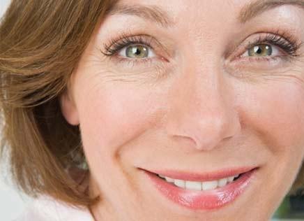 Imagem da notícia: Novo creme para área dos olhos disfarça rugas sem causar alergia
