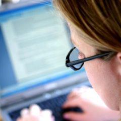 Imagem da notícia: Olho é a quinta parte mais atingida no trabalho