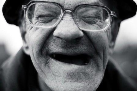 Imagem da notícia: Clínicas Leite oferecem consulta oftalmológica a idosos carenciados