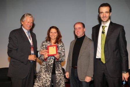 Imagem da notícia: Hoya premiada com o galardão SMAU Mob App