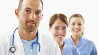 Imagem da notícia: Portugal caminha para excesso de médicos