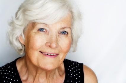 """Imagem da notícia: Cientistas descobrem """"cura"""" para cabelos brancos"""