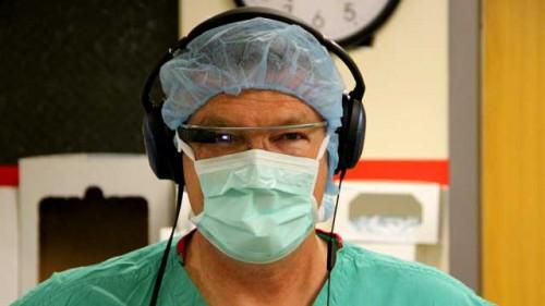 Imagem da notícia: Google Glass usado em cirurgia