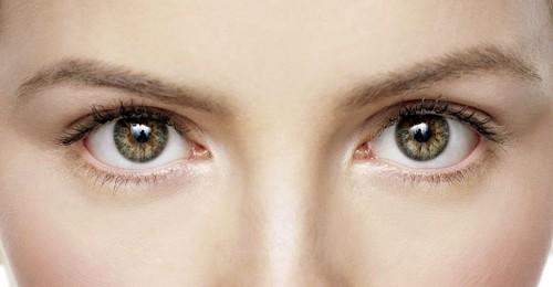 """Imagem da notícia: Os olhos são os primeiros a """"falar"""""""