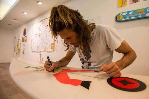 Imagem da notícia: Le Mani: Desenhar para quem não vê