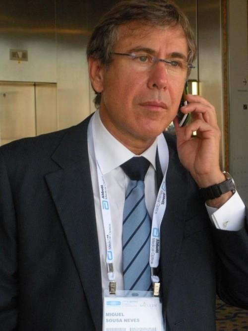 Imagem da notícia: Oftalmologista Miguel Sousa Neves lança livro