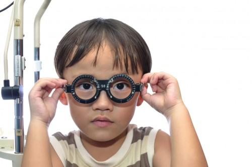 Imagem da notícia: Miopia aumenta em crianças