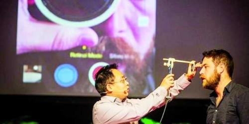 Imagem da notícia: Oftalmologista concebe retinoscópio inovador