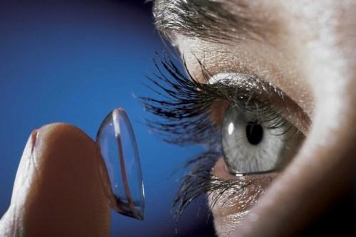Imagem da notícia: Utilizadores de lentes de contato precisam de cuidados redobrados