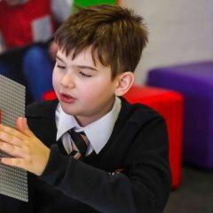 Imagem da notícia: Lego quer lançar peças em braille