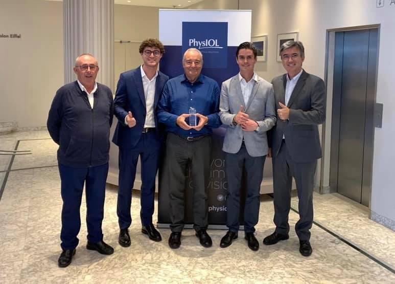 Imagem da notícia: MedicalMix premiada no Congresso ESCRS de Paris