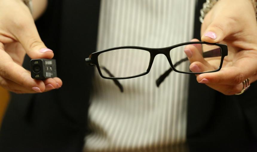 Imagem da notícia: OrCam MyEye, para pessoas com problemas de visão