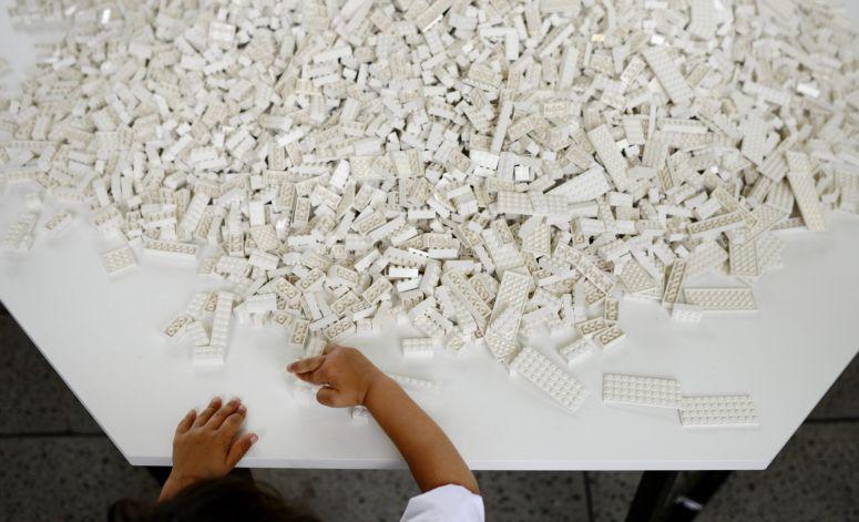 Imagem da notícia: Lego vai lançar peças em Braille