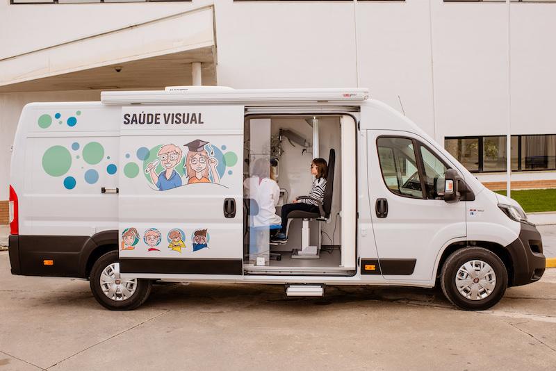 Imagem da notícia: Consultório móvel faz consultas de oftalmologia na Aldeia SOS de Bicesse