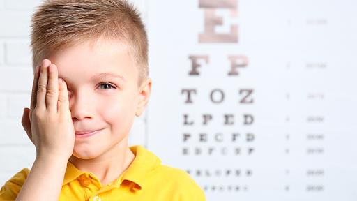 Imagem da notícia: Inquérito: Opinião dos pais e dos profissionais sobre o tratamento da miopia